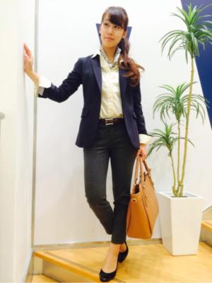 オフィスカジュアル レディース 服装
