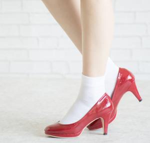 女性 パンプス 靴下